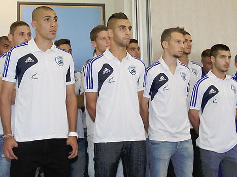 מוכנים לאתגר. שחקני נבחרת הנוער (אלן שיבר). צפו בנבחרת עולה ליורו