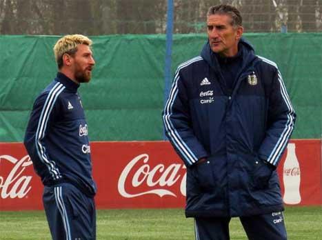 מחכים לשובו: ארגנטינה נרגשת מחזרת מסי