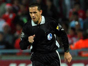Is this the worst refereeing decision ever? (Maccabi Tel Aviv vs Bnei Sachnin)