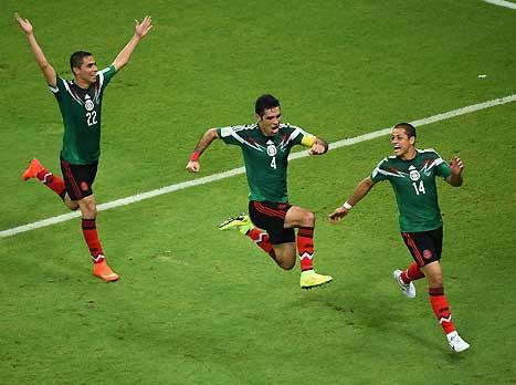 איזה ערב עבורם. שחקני מקסיקו חוגגים (gettyimages)