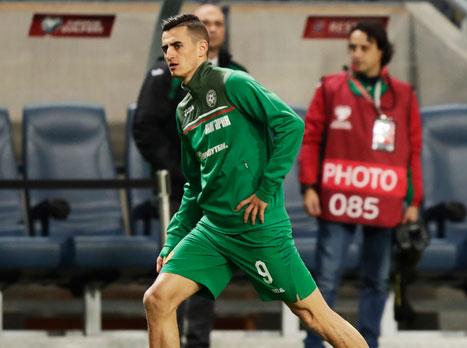 יש רכש: קוסטדינוב חתם לשנתיים בחיפה