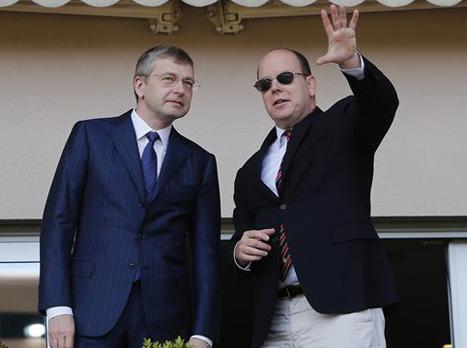 דמי הרישום הגיוניים? ריבולובלב (שמאל) יחד עם נסיך מונאקו אלברט השני (gettyimages)