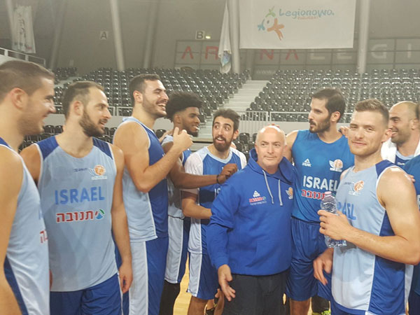נבחרת ישראל ערכה אימון ראשון בוורשה