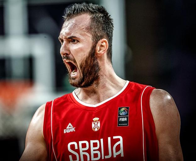 רוסיה בחצי גמר היורובאסקט (FIBA)