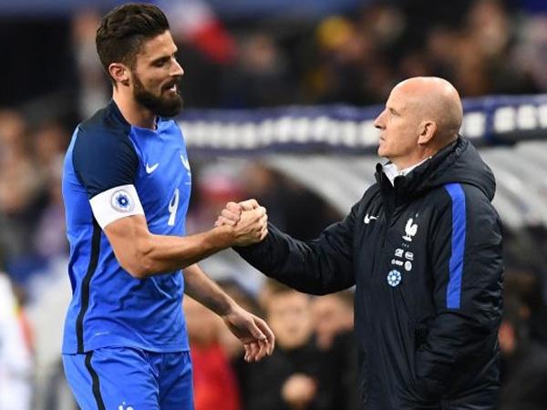 נבחרת צרפת ממשיכה לנצח (getty)
