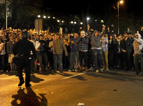 המהומות באוניברסיטת פן סטייט (GETTYIMAGES). צפו בסטודנטים