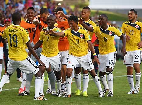 שחקני קולומביה, יקבלו בברכה את הרחקת סוארס (GETTYIMAGES)