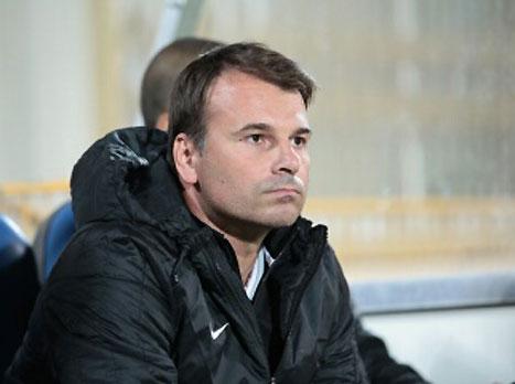 סטנוייביץ' ושחר שוחחו, המאמן נשאר בתפקיד