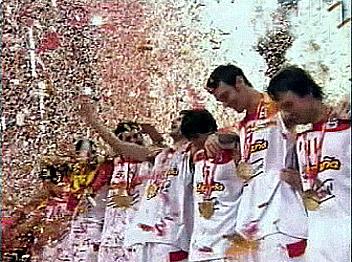 שחקני ספרד חוגגים זכיה ב-2009. הימור בטוח? (Gettyimages)