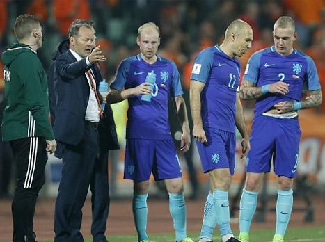 צפו: הולנד הסתבכה עם הפסד 2:0 בבולגריה