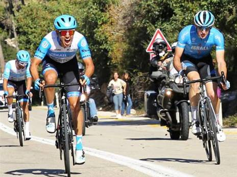 גולדשטיין (משמאל). זכה בתואר לראשונה בקריירה (צילום: אלון רון)