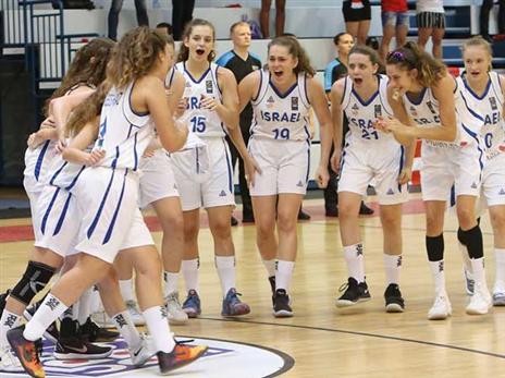 חגיגה ישראלית של הנערות (באדיבות איגוד הכדורסל)