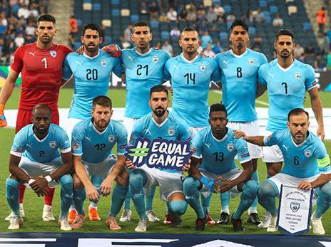 """""""בשבילי זה לא משנה אם השחקן ערבי או יהודי"""". הרכב הנבחרת מול סקוטלנד (אלן שיבר)"""