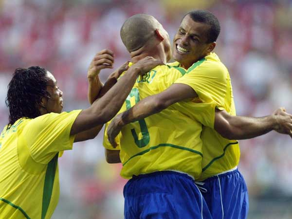 ריבאלדו עם רונאלדו ורונאלדיניו. ייזכרו כגדולים ממנו (Getty)