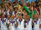 גרמניה מניפה את גביע העולם. מסתמן טורניר שונה בתכלית (Getty)