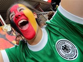 מ-0 ל-100: בגרמניה חגגו אל תוך הלילה