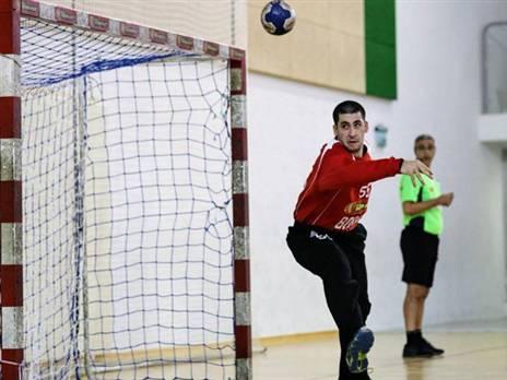 ליגיונר תשיעי לכדוריד הישראלי - יהב שמיר