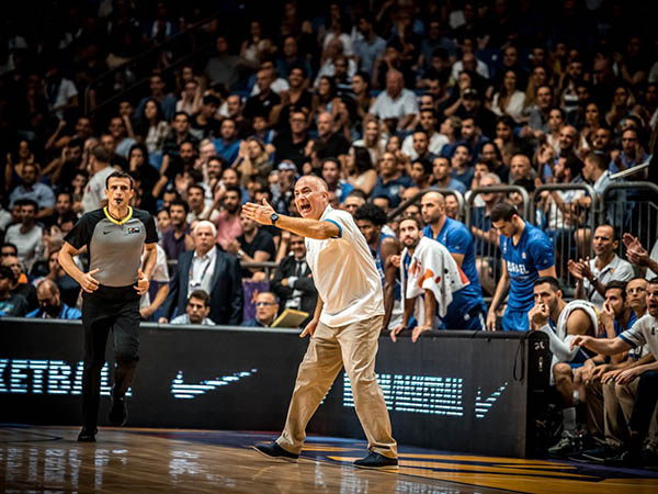 בסופו של דבר, המאמנים הם לא אלה שמשחקים (FIBA)