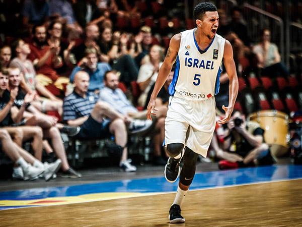 בריסקר. חלק מאחת הנבחרות המרשימות שנראו בכחול לבן (FIBA)