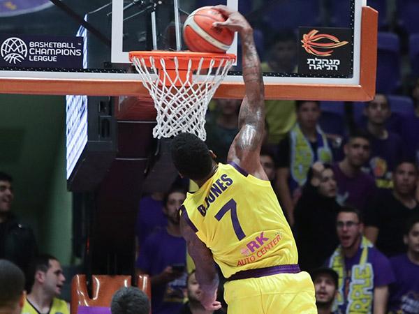 דקוואן ג'ונס, הפגין וירטואוזיות (FIBA)