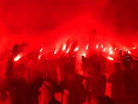 באש ובמים: המחווה של אוהדי נאפולי למראדונה