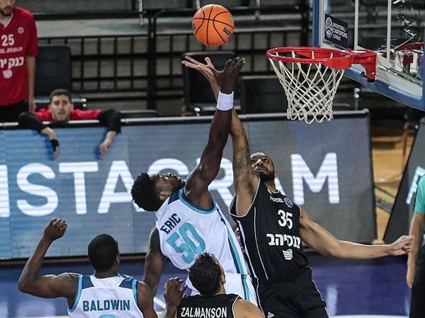 (FIBA)