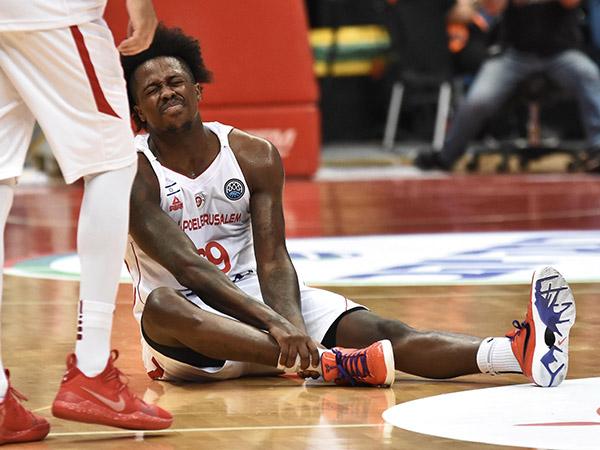 בקבוצה נרגעו: הפציעה שלו אינה חמורה כשחשבו. בראון (צילום: דב הליקמן)