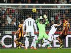 פלורס הבקיע עם היד, 1:1 לסוואנזי