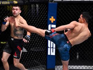 UFC: יאנז גנב את ההצגה עם נוקאאוט מהאגדות