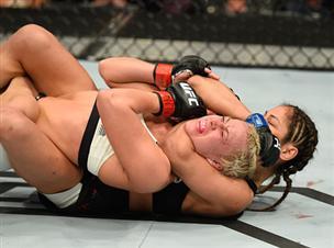 לילה טוב: חניקה קטלנית ב-UFC
