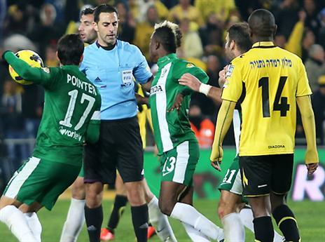 שחקני חיפה דורשים הסברים (אלן שיבר)