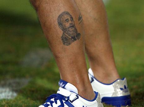 ופידל קסטרו על הרגל (gettyimages)
