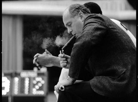 """27.4 - היום לפני 67 שנים בוסטון סלטיקס מינתה את ארנולד """"רד"""" אאורבך לתפקיד המאמן הראשי. אאורבך זכה עם הסלטיקס ב-9 אליפויות כמאמן ועוד 7 אליפויות כמנהל. הוא נפטר ב-2006 בגיל 89 (getty)"""