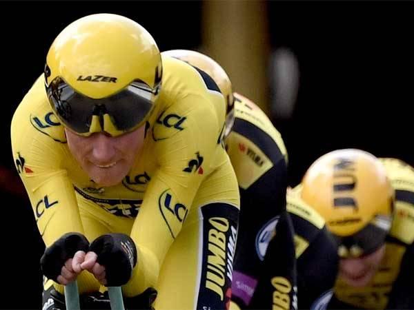 נשאר עם החולצה הצהובה. טוניסן (צילום: Getty)
