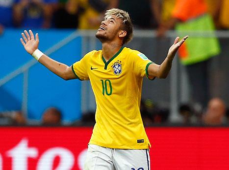 ניימאר, סוחב על גבו את ברזיל (GETTYIMAGES)