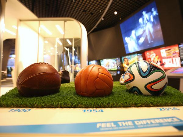 """גלגולו של כדור, מוזיאון פיפ""""א (Getty)"""