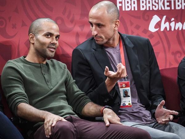 גם אגדות הספרס פארקר וג'ינובילי התייצבו (FIBA)