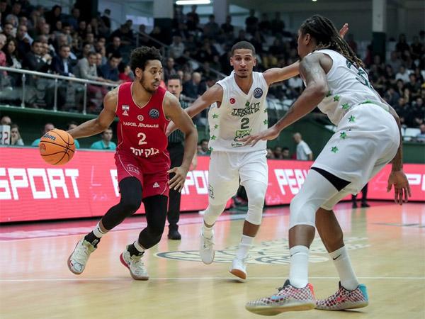 קאזינס. נשאר, בינתיים (FIBA)