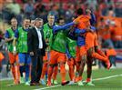 הולנד בחצי הגמר אחרי 1:5 על רוסיה