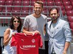 רשמית: פקהארט חתם ל-3 עונות בהפועל באר שבע