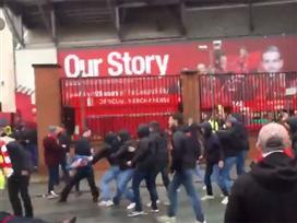 התפרעות: אוהד ליברפול במצב קשה