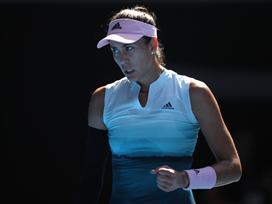 קרולינה פלישקובה הבטיחה את מקומה ברבע הגמר