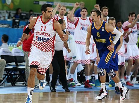 צפו בקרואטיה עולה לחצי (אתר FIBA)