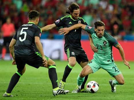 """""""המנוע של נבחרת פורטוגל"""". סילבה מול ג'ו אלן (Getty)"""