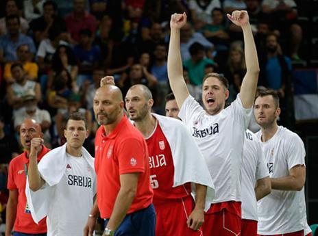 הסרבים חוגגים ניצחון קליל בדרך לגמר (getty)