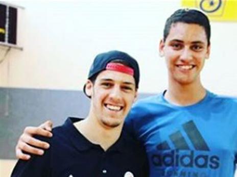 גלעד לוי עם שוכמן. מהצפון יגיע הגבוה הבא של הכדורסל הישראלי? (מתוך: אינסטגרם)