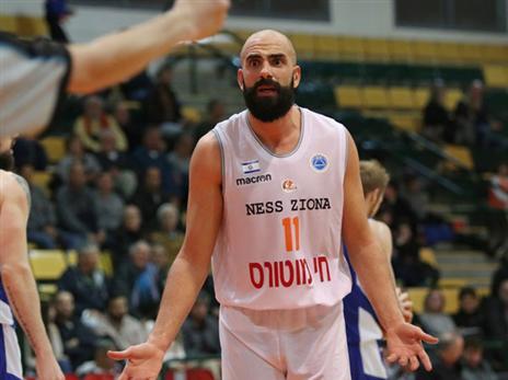 הפסד ראשון. כדיר (FIBA)