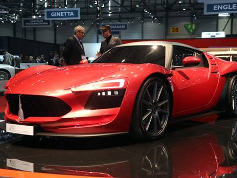 Mole היא חברה איטלקית שמייצרת גרסאות מעוצבות על בסיס דגמים קיימים. כך עשתה בעבר על רצפת אלפא רומיאו 4C עם פרויקט מיוחד וזו הגרסה החדשה שלה, ה-Almas. הפעם הם כבר פיתחו פלטפורמה עצמאית עם מרכב מסיבי פחמן ושאבו הרבה השראה מעולם הרכב האיטלקי. זו מכונית GT שניתן להתאים לה מגוון מנועים אבל הם לא ממש פרסמו פרטים נוספים אודותיה