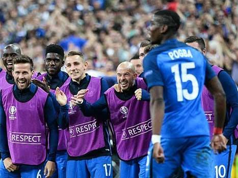 לוקה דין ואומטיטי בנבחרת צרפת (Getty)