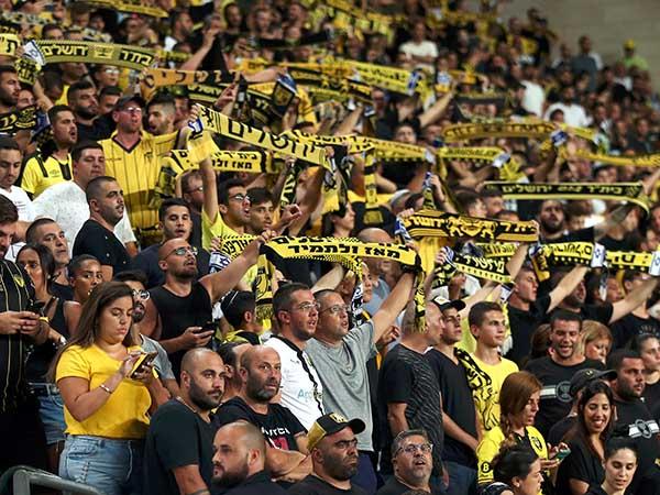"""החזרה של בית""""ר לצמרת חשובה לכדורגל הישראלי, גם בגלל האוהדים (אלן שיבר)"""
